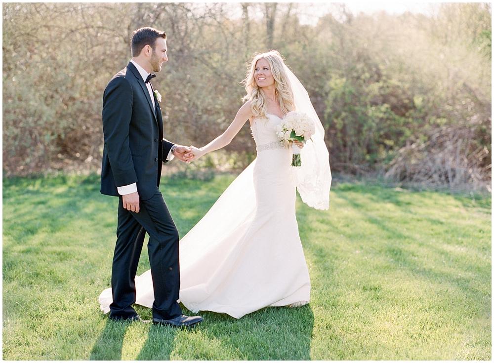 Barns-at-Wesleyan-Hills-wedding-photographer-4